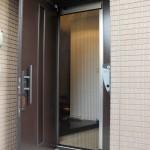 玄関用網戸・収納式網戸で夏を快適に過ごす