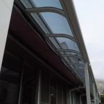 テラス屋根 通路の雨ヨケ対策