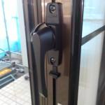 窓の鍵交換  窓の部品を直す クレセント交換