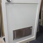 お風呂のドア ガラス交換  樹脂パネル取り換え 通気ガラリ取付け