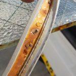 硝子の交換 網入りガラスにヒビが入ってしまったので交換します。
