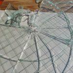 ガラス工事 ドアのガラスを交換しました
